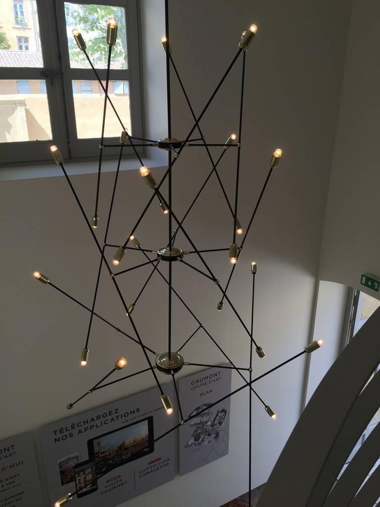 lustre antenne contemporain h tel de caumont aix en provence fabrication de luminaires. Black Bedroom Furniture Sets. Home Design Ideas